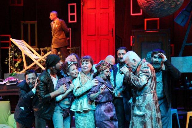 ay-isiginda-samata-tiyatro-oyunu