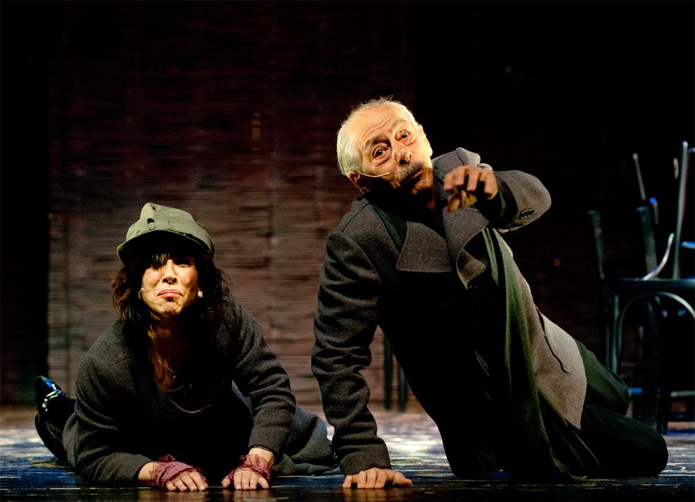 ben-bertolt-brecht-tiyatro-oyunu