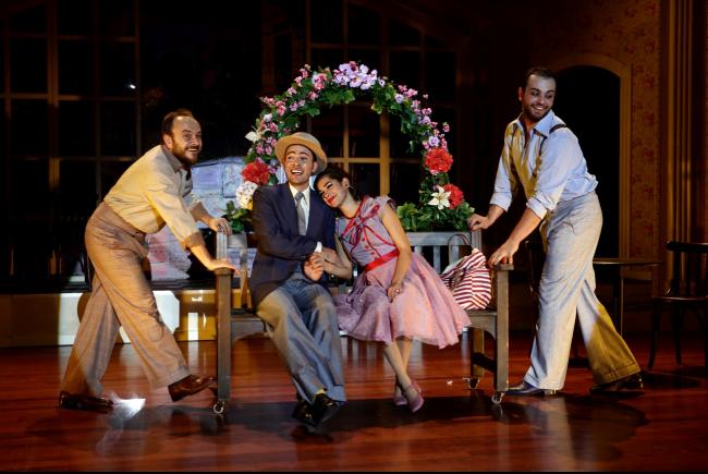 erkek-arkadas-tiyatro-oyunu-2
