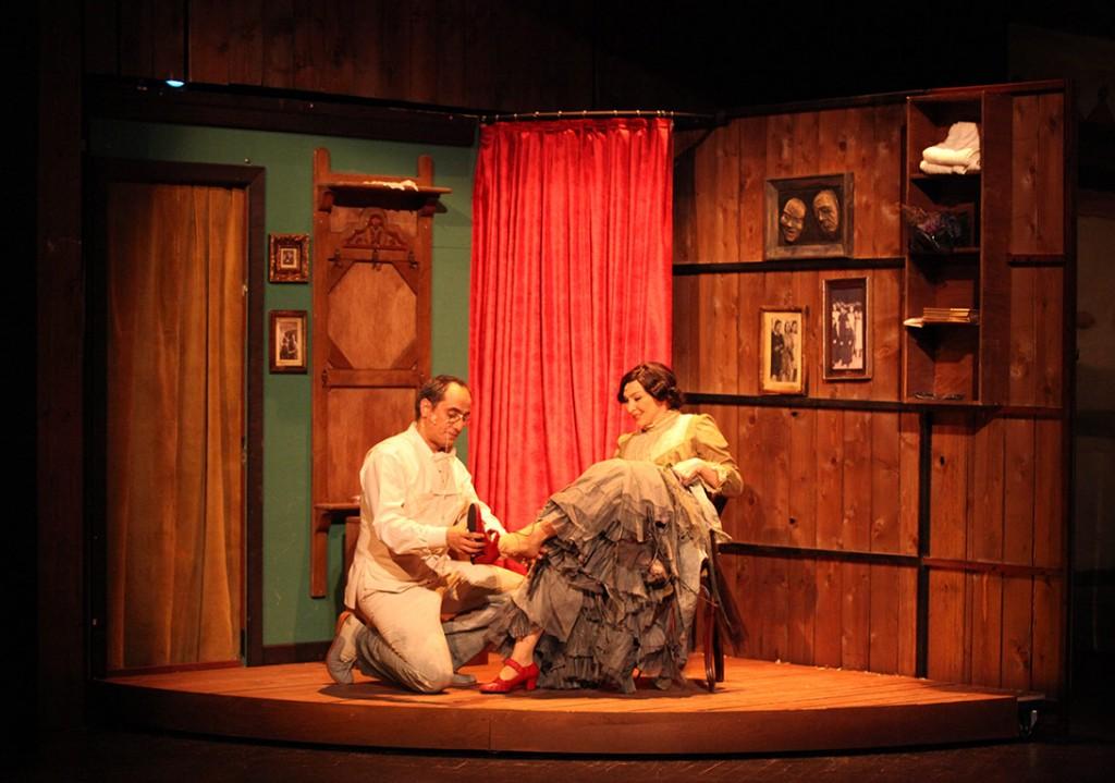 hayali-temsil-tiyatro-oyunu