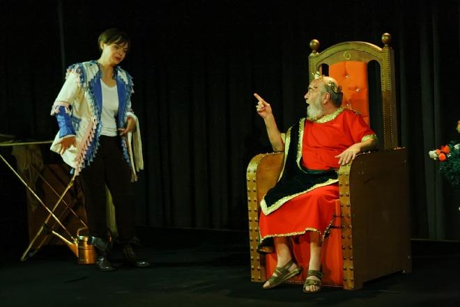 Izledim Uşak Kral Ve ötekiler Tiyatro Günlüğü